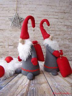Купить или заказать Гномики новогодние, с мешками подарков в интернет-магазине на Ярмарке Мастеров. ЦЕНА ЗА ОДНОГО. У маленьких, у гномов Добавилось забот! Ведь скоро, очень скоро Наступит Новый год! Собрать игрушки детям, В мешки их разложить. Чтоб малыши на праздник Смогли их получить!