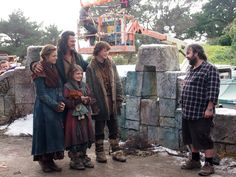Peter Jackson with Luke Evans and his 'children' on their last day at set of the BOTFA's !!