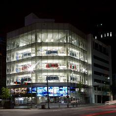 자동차와 예술이 조화로운 공감을 이루는 현대 모터스튜디오 서울 6월의 Human Library 이벤트 '만화가 김풍을 읽다!' HYUNDAI Motorstudio Seoul where the car and art are in harmony.
