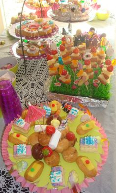 Leuk voor kinderfeestje. Kinder high tea. foto van is van www.steinsetuin.nl