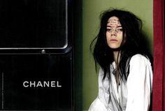 Chanel advertising campaign 2011 / Fotoautomat photobooth #photomaton