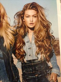 Gigi Hadid is all the mermaid hair goals