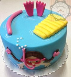 31 IDEIAS DE BOLOS E DOCES PARA FESTA NA PISCINA! Pool Birthday Cakes, Pool Party Cakes, Pool Cake, Kid Cupcakes, Cupcake Cakes, Swimmer Cake, Bithday Cake, Beach Cakes, Summer Cookies
