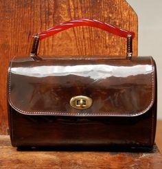 vintage Garay box handbag. $25.00, via Etsy.