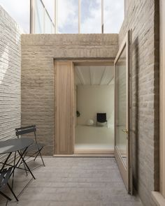 Cathie Curran and O'Sullivan Skoufoglou Architects add hidden terrace to North London townhouse Terrace – Home Decoration Brick Architecture, London Architecture, Concept Architecture, Sustainable Architecture, Residential Architecture, Interior Architecture, Architecture Courtyard, Japanese Architecture, Contemporary Architecture