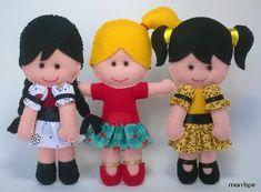 Olá! Tem bonequinha nova no blog! Vem conferir as três Marias :)