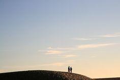 Caminhando ... no(s) seio(s) da Terra! ... // Fim de tarde na praia de Sto André. Alentejo. 2008 agosto // Fto Olh 01 083 caminhando ... no(s) seio(s) da terra! 20080904 2354