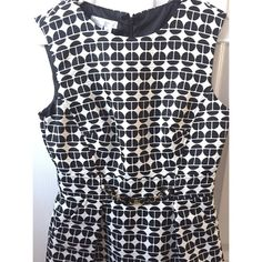 "London Times Dress Black & White Pattern with Belt London Times Dress Black & White Patterned with Accent Belt. NWOT Never worn in perfect condition. Measurements are 27"" waist, 33"" bust, 36"" long. Perfect for a wedding, cocktail, work or professional event. Open to offers. London Times Dresses Midi"
