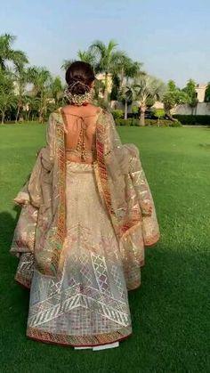 Party Wear Indian Dresses, Indian Bridal Outfits, Indian Fashion Dresses, Wedding Dresses For Girls, Wedding Dance Video, Indian Wedding Video, Bridal Lehenga Collection, Designer Bridal Lehenga, Bridal Photoshoot