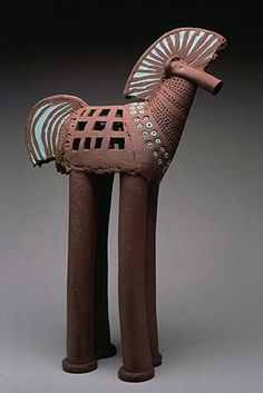 Rene Murray Could use extruder! Horse Sculpture, Sculpture Clay, Animal Sculptures, Pottery Animals, Ceramic Animals, Ceramic Figures, Clay Figures, Ceramic Pottery, Ceramic Art