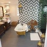 So happy to finally have found a picture of this Genevieve Gorder bathroom! I am obsessssssed with those wall tiles!