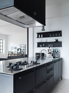 The best modern kitchen design this year. Are you looking for inspiration for your home kitchen design? Take a look at the kitchen design ideas here. There is a modern, rustic, fancy kitchen design, etc. Black And Grey Kitchen, Black Kitchens, Home Kitchens, Kitchen Grey, Modern Kitchen Design, Interior Design Kitchen, Modern Design, Kitchen Dinning, Kitchen Decor