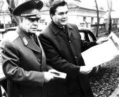 Связи. Говорят, космонавт Георгий Береговой помог Виктору Януковичу в жизни