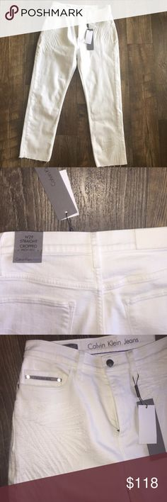 Calvin Klein Straight Crop Hi-RiseEmbroidery Jeans • Calvin Klein Jeans Women's White Palm Embroidered Fashion Denim Pants Size 29 – New with tags • Straight crop high rise jeans. • Palm embroidery details on the front and to right back pocket. • Retailed at $118.  • Garment is 98% cotton, 2% elastane. Calvin Klein Jeans Ankle & Cropped