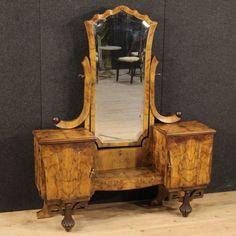 1250€ Italian cheval mirror in walnut and burl in Art Deco style. Visit our website www.parino.it #furniture #artdeco #antiquities #antiquario #decorative #interiordesign #homedecoration #antiqueshop #antiquestore #psiche #mirror #chevalmirror #walnut #burl