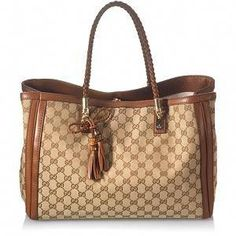 4f8c2d33ba2e Gucci Bella Medium Tote  Guccihandbags Cute Handbags