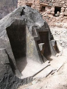 The Megalithic Portal and Megalith Map:Side view - photo by Brien Foerster Ollantaytambo Ancient Ruins, Ancient Artifacts, Ancient Egypt, Ancient History, Ufo, In This World, O Portal, Archaeological Discoveries, Mysterious Places