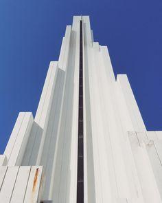 ::: another #lookup of this white concrete #lighthouse at #puntadelhidalgo #tenerife . . . #yesimmobile #artystycznapodroz #fotografiamobilnapl #polishphotocommunity #shootoniphone #cyfrowepl #igersspain #loves_spain #loves_tenerife #latitudedevida #lovecanaryisland #ok_canarias #loves_canaries #tenerifetag #loves_tenerife #teneryfa #mastersofwhiteness #whitesunday #allwhiteeverything