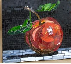 Big beautiful red Apple with bright green leaves Stone Mosaic, Mosaic Glass, Glass Art, Stained Glass, Mosaic Crafts, Mosaic Projects, Mosaic Designs, Mosaic Patterns, Mosaic Wall Art