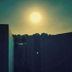 Berlim  #sun #citylights #citiesoftheworld #berlin #deutschland #alemanha #germany #europe #instapassport #travelpassport #traveljunkie #traveltheworld #travelling #mytravelgram #travelgram #tripadvisor #shareyourtravelpics #shadows #sharetravelpics #travellushes #wanderlust #wheninroams #worlderlust by asfilipe70