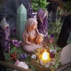 The Goddess awaits in her garden. Amethyst, Aventurine, Black Agate, Rose Quartz and Blue Goldstone. Wicca Witchcraft, Magick, Crystals And Gemstones, Stones And Crystals, Crystal Garden, Crystal Altar, Crystal Terrarium Diy, Deco Zen, Witch Aesthetic