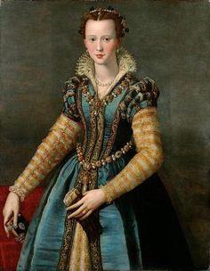 Florentine style gown, circa 1555. Allessandro Allori's  portrait of Isabella de' Medici, or Maria de' Medici.