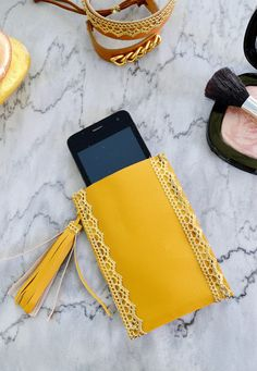 happy girly crafty: Faux leather and tassel smartphone case DIY
