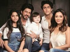 SRK the unseen Family Photos : Bollywood :http://viralbee.net/srk-unseen-family-photos-bollywood/