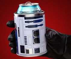 Star Wars Can Cooler . Keep your drink colder than planet Hoth while your hand remains warm and dry with the Star Wars can c. Best Gifts For Men, Cool Gifts, Amazing Gifts, Unique Gifts, Star Wars Kitchen, Star Wars Day, Star Trek, Geek Decor, Take My Money