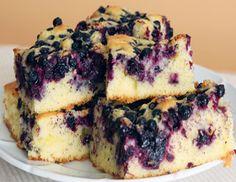 Blåbærkage med crumble. Kagen er glutenfri, mælkefri og laktosefri. Opskriften er udlånt af Christine Bailey, Nairn's Oatcakes