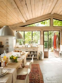 what a lovely kitchen with lots light and open space http://www.in-form-design.com