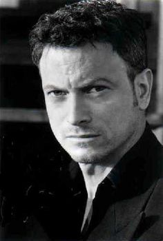 Gary Sinese -- The best actor on TV. So WHY are they canceling CSI: NY?? :(