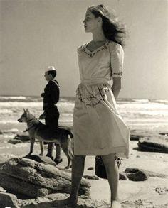 Lauren Bacall, 1943 © Louise Dahl-Wolfe