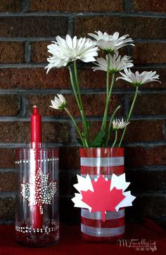 Happy Canada Day, to help you celebrated I have made some easy, inexpensive Dollar Tree Craft Centerpieces. Canada Day Centrepiece, I Am Canadian, Happy Canada Day, Dollar Tree Crafts, Patriotic Decorations, Fireworks, Design Art, Tattoo Quotes, Centerpieces