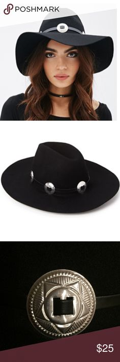Black Wide Brim Hat Very cute wide brim hat. Great to wear with everything and easy to combine with. You'll love the details on the silver buckles. Too cute to pass up. Top part of the hat is a nice round shape. Let me know if you need more than one, so that I can make you a separate listing. 😍 Accessories Hats