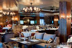 Новый ресторан Red Fox («Рыжий лис») находится на горнолыжном курорте «Роза Хутор» в городе Сочи. И, конечно, стиль шале — самый правильный и точный выбор для таких мест