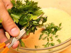 A tökéletes grízgaluska recept lépés 5 foto Parsley, Spinach, Herbs, Vegetables, Food, Veggies, Essen, Vegetable Recipes, Yemek