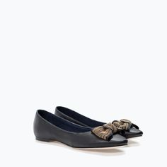 Image 2 of LEATHER BALLET FLAT WITH BOW from Zara