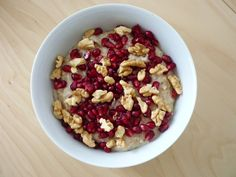 oatmeal with pomegranate and walnuts