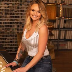 """Miranda Lambert on Instagram: """"Hey y'all! Thank you all for sharing your pictures of y'all rockin' @Idyllwind, they always make me smile!  I wanted to share some of our…"""" Maranda Lambert, Miranda Lambert Photos, Country Singers, Country Music, Country Artists, Badass Women, Sexy Women, Carrie Underwood, Female Singers"""