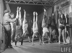 Gymnase Saulnier, School for Acrobats