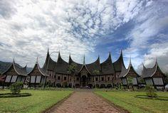 [FOOD] Hunting Scrumptious Padang Food in West Sumatra World Photography, Landscape Photography, Minangkabau, Padang, Travel Tours, Antara, Print Pictures, Vacation Trips, Hunting