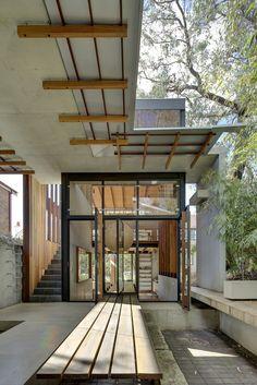 tir na nog | courtyard ~ drew heath architects