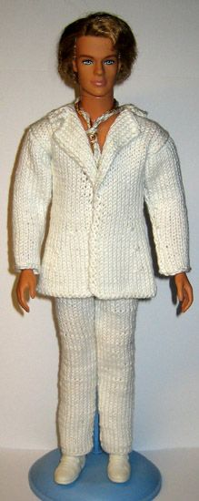 Ken Doll, Barbie Dolls, Clothes Patterns, Doll Patterns, Chrochet, Knit Crochet, Barbie And Ken, Knitted Dolls, Barbie Clothes