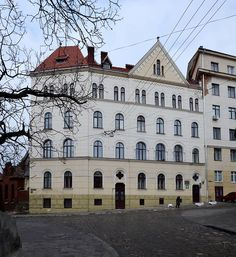 1 Uzhhorodska Street, Lviv (03).jpg