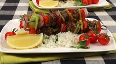Sweet and Tangy Sausage Pepper Kabobs-----You can use any type of sausage for these sweet glazed kabobs. Using metal skewers saves you the 30 minutes it would take to soak bamboo skewers. Kabob Recipes, Grilling Recipes, Pork Recipes, Lunch Recipes, Healthy Dinner Recipes, Appetizer Recipes, Cooking Recipes, Delicious Meals, Summer Recipes