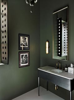 Green and black bathroom decor black and white with lime green bathroom Dark Green Bathrooms, Black Bathroom Decor, Bathroom Colors, Black Decor, Bathroom Interior, Bathroom Green, Bathroom Lighting, Green Bathroom Furniture, Bathroom Modern