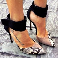 Not usually a pumps kind of girl but these Lanvin beauties are HOT! Snake print & those edgy ankle cuffs! Fab Shoes, Me Too Shoes, Shoes Heels, Ankle Heels, Suede Shoes, Christian Louboutin, Lanvin, Sexy Heels, Stiletto Heels