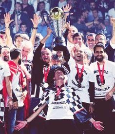 Beşiktaş! VE SAYGILARALAAA 2015-2016 ŞAMPİYONU BEŞIKTAŞ