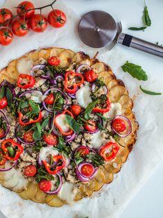 Arkiruokavinkki: Perunapizza (G) Gluten Free Bakery, Good Food, Yummy Food, Most Delicious Recipe, Savoury Baking, Mozzarella, Vegetable Pizza, Snacks, Interesting Recipes